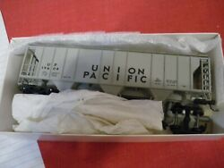Robins Rails Ps-2 Covered Hopper Up 018-6804 19604 Actual Shipping