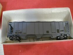 Robins Rails Ps-2 Covered Hopper Up 018-6804 19859 Actual Shipping