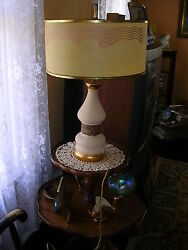 Vintage Mid-century Pottery Table Lamp With Fiberglass Lamp Shade.works 1950s