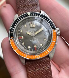 Vintage Squale Medium Automatic Quickset Date Grey Dial Diver Steel Case Watch