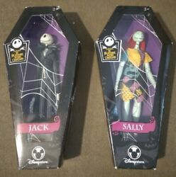 Disneystore Nightmare Before Christmas Sally And Jack Doll In Coffin Set.
