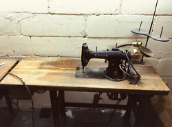 Antique Sewing Machine With Table 95-80 Serial Number Af977012