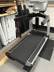 No Shipping - Life Fitness 95t Elevation Discover Se Treadmill