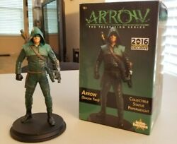 Sdcc 2016 Exclusive Icon Heroes Arrow Tv Series Season 2 Statue Paperweight Cw