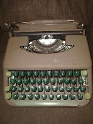 1960s Smith Corona Skyriter Typewriter Great Condition Tested