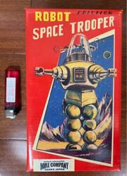 Antique Tin Robot Toys Space Trumper 2000 Tin Tom Toys Made In Japan Tested Ok