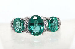 18k White Gold Beautiful Ring Set With Natural Emerald And Natural Diamonds, Ring