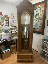 Grandfather Clock Howard Miller Model 610175 Excellent Condition.