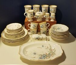 Mikasa Blue Daisies 1980and039s Dinnerware Service For Four 36 Piece Set Eb 804
