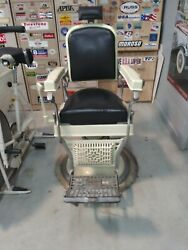 30s 40s Koken Barber Chair. Works Correctly. Very Good Condition Inc. Leather