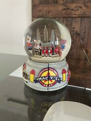 Nyc 2008 Thanksgiving Day Parade Musical Water Globe Snow Globe Glitter