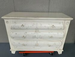 Mint Conditionethan Allen Country French Bombe Chest Model 13-5421