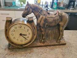 Vintage Horse Equestrian Plastic Electric Clock 902 Mastercrafters Chicago Usa