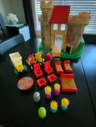 Vintage Fisher Price Little People Castle 993 1974 - Near Complete - Used