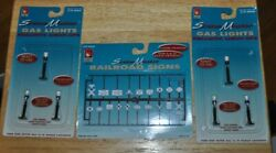 O Scale Scene Master Life-like Railroad Signs And Gas Lights Brand New