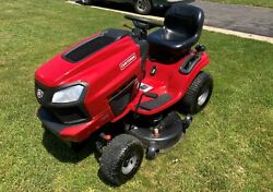 Craftsmen Lawn Tractor T3000. 42 Inch Deck. 22hp. Only 216 Hours