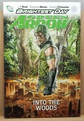 Green Arrow Into The Woods Brightest Day - Hardcover Graphic Novel Dc Comics
