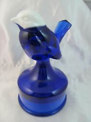 Fenton Factory Made Bird On Font Cobaltwith White Head Face Sample Room Exclusiv