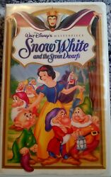 Walt Disneyand039s Masterpiece Collection Snow White And The Seven Dwarfs Vhs 1524