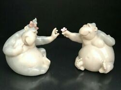 Nao Lladro Gorilla Figurines - You Are So Kind And As Beautiful As You - Mint