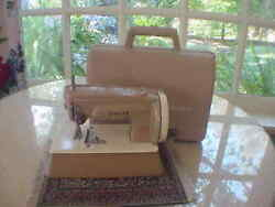 Vintage Childs Singer 40k Sewing Machine And Case