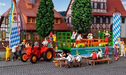H0 Lanz Tractor With Float And 6 Figure, Model World 187, Kibri 12226