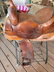 Hereford 16 In Medium Brown New Leathers New Horn Cap. Floral Design.6 In Bars