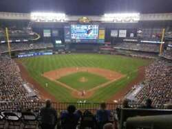 4 Milwaukee Brewers National League Championship Series Home Game 4 Tickets S422