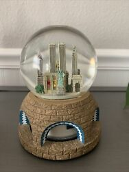 Pre 9/11 New York Twin Towers, The Met, Statue Liberty Musical Glass Snow Globe