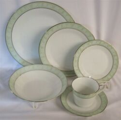 9 Place Settings + Serving Pieces 60 Pieces Noritake Fine China Vienne Pattern