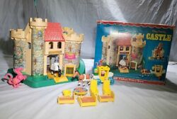 1974 Fisher Price Little People 993 Play Family Castle And Box -  Complete
