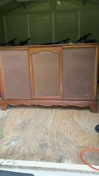 Imperial Classic Vintage Magnavox Console Stereo Am/fm Radio/record Player