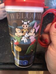 DISNEY MICKEY amp; MINNIE RAPID FILL 6quot; PLASTIC SOUVENIR CUP WITH RED LID HANDLE