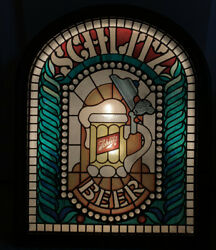 Vintage 1977 Schlitz Beer Lighted Sign Faux Stained Glass Look Man Cave Light