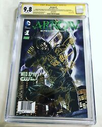 Cgc Ss 9.8 Arrow 1 Special Edition Cast Signed 12 Sigs Amell Ramsey Haynes