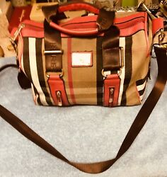 DISCOUNTED.AUTHENTIC BURBERRY BAG Preowned shoulder strap STUNNNING. $260.00