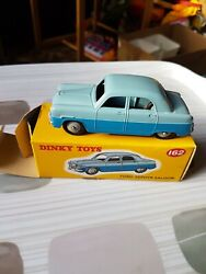 Atlas Editions Dinky Toys 162 Ford Zephyr Saloon, Two Tone Blue