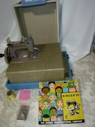 Andnbsp1900and039s Singer Antique Singer Model 20 Sewhandy Childandrsquos Toy Sewing Machine