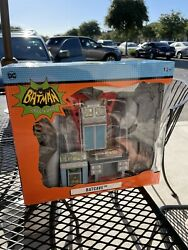Batman Classic Tv Series Batcave 1966 In Hand Fast Shipping Brand New