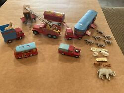 Vintage Lot Corgi Toys Chipperfields Circus Playset With Animals