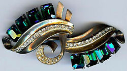 Quality Vintage Retro Gold Wash Sterling Rhinestone And Emerald Green Glass Pin