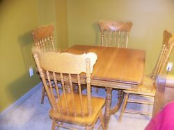 Oak Eastlake Dinning Room Table And Sideboard Buffet With Morror