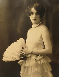 Antique Vintage Roaring 20s Flapper Fan Pearl Necklace Jewelry Fashion Old Photo