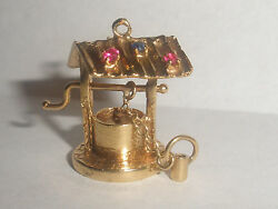 Vintage Wishing Well Moveable Charm Semi Precious Stones 14kt Yellow Gold 8.6gr