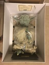 Star Wars Life-size Yoda By Illusive Concepts In Original Box Never Opened