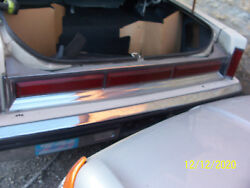 1981 Lincoln Towncar Trunk Center Taillight Panel Oem Used 1980 1982 1983 1984