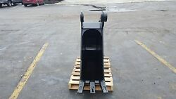 New 18 Heavy Duty Excavator Bucket For A John Deere 590 With Pins
