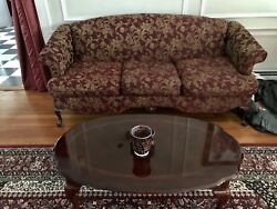 Traditional Living Room Furniture Set - Queen Anne