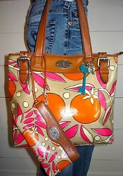FOSSIL Key Per Coated CanvasLeather Tote Shopper & Matching Wristlet