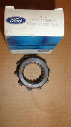 Nos 78-79 Ford F150 F250 F350 Bronco 4x4 Locking Hub Sleeve And Ring D8tz1a028b